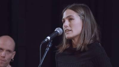 Eneko Lazkoz eta Nerea Ibarzabal. Haurrak helduak izatera jolasean.